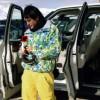 محمد رضا گلزار | تک عکس قدیمی از محمدرضاگلزار و ماشین شاسی بلندش!