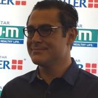 محمد رضا گلزار | رضا گلزار و کنگره بین المللی دندان پزشکان