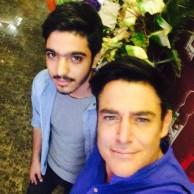 محمد رضا گلزار | آخر هفته در کنار طرفداران رستوران انار