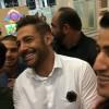 محمد رضا گلزار | رضاگلزار در محاصره طرفداران شیرازى