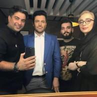محمد رضا گلزار | عکسهایی از رضاگلزار در پشت صحنه رحمان ۱۴۰۰ و مسابقه برنده باش