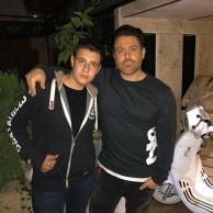 محمد رضا گلزار | رضاگلزار و طرفداران در شب اربعین