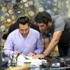 محمد رضا گلزار   رضا گلزار در نمایی از پشت صحنه فیلم سینمایی رحمان ۱۴۰۰