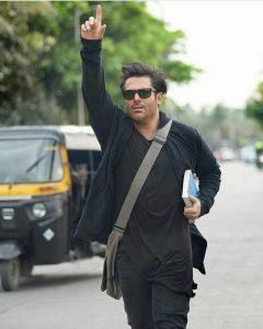 reza-golzar_hello-mumbai