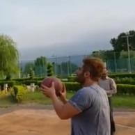 محمد رضا گلزار | پست اینستاگرامی محمدرضا گلزار و چالش حلقه بسکتبال در دشت نور